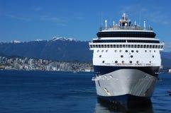 Cruiseship en Vancouver fotografía de archivo libre de regalías