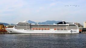 Cruiseship MSC乐队在里约热内卢 库存照片