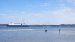 Cruiseship passing Royalty Free Stock Photography