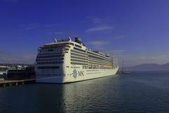 Cruisevoering in de haven van Tromso Stock Afbeeldingen