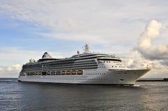 Cruisevoering ZEVEN OVERZEESE REIZIGER in haven Klaipeda Stock Foto