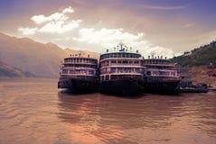 Cruisevoeringen bij Yangtze-rivier in China stock foto