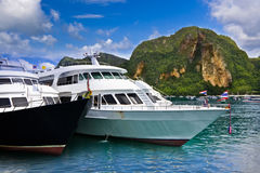 Cruising Ship at Phi Phi Royalty Free Stock Photography