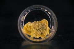 Crumble da cera da extração do cannabis isolado Imagens de Stock Royalty Free