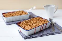 Crumble da morango (café da manhã saudável) Fotografia de Stock Royalty Free
