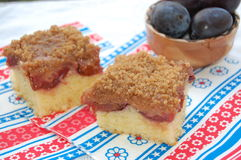 Crumble plums cake Royalty Free Stock Photos