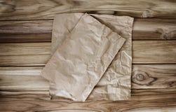 Crumbled烹调或烘烤的纸板料 免版税库存图片