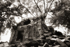 Crumbling Angkor temple Royalty Free Stock Images