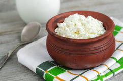 Crumbly homemade cottage cheese Royalty Free Stock Photography