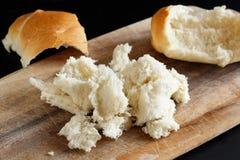 Crumbs ψωμιού στον πίνακα Στοκ φωτογραφίες με δικαίωμα ελεύθερης χρήσης
