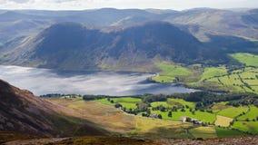 crummock ύδωρ λιμνών της Αγγλίας π&ep Στοκ Εικόνες