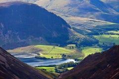 crummock ύδωρ λιμνών της Αγγλίας π&ep Στοκ Φωτογραφίες