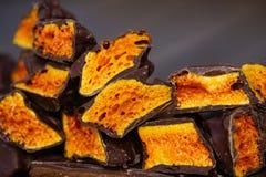Crunchy honeycomb cukierku czekolada Fotografia Royalty Free