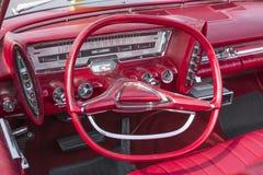 Cruscotto d'annata dell'automobile fotografie stock
