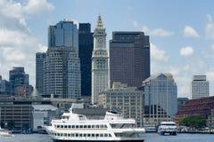 Cruse小船在波士顿港口 库存照片
