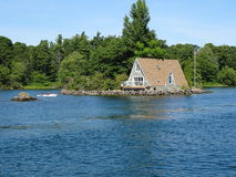 Cruse в островах ` s тысячи Канады стоковые изображения
