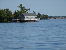 Cruse nelle isole del ` s mille del Canada Fotografie Stock