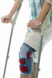 crutches подросток Стоковые Фото
