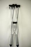 crutches fotos de stock