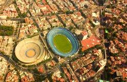 Cruz Azul体育场和Plaza de Toros 免版税库存图片