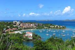 Cruz Bay, St John, vue des Îles Vierges américaines d'en haut Images stock