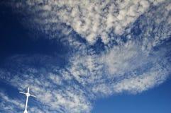 Cruz blanca en el cielo Fotografía de archivo