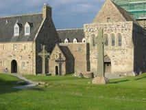 Cruz céltica y abadía de Iona Imagen de archivo