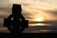Cruz celta irlandesa antiga velha imagem de stock royalty free
