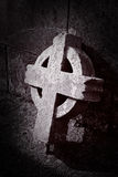 Cruz celta quebrada velha Fotos de Stock