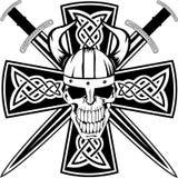 Cruz céltica y cráneo Fotos de archivo