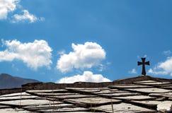 Cruz cristã em um telhado Imagem de Stock
