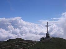 Cruz da montanha Imagens de Stock