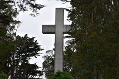 Cruz da Páscoa do nascer do sol da rocha de Greywacke em Mt Davidson San Francisco, 7 fotografia de stock royalty free
