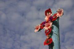 Cruz de flores - formato horizontal Imagen de archivo libre de regalías