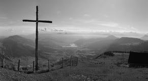 Cruz de la cumbre Fotos de archivo