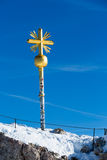 Cruz de la cumbre de Zugspitze Imágenes de archivo libres de regalías