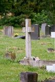 Cruz de la lápida mortuaria Fotografía de archivo libre de regalías