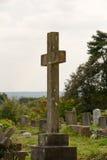 Cruz de la lápida mortuaria Fotos de archivo libres de regalías