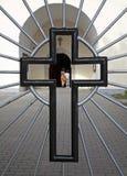 cruz de la puerta de la iglesia Imagen de archivo libre de regalías