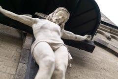 Cruz de madeira com Jesus fotos de stock royalty free
