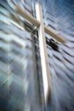 Cruz de madera en iglesia Imágenes de archivo libres de regalías
