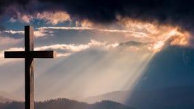 Cruz del Jesucristo Pascua, concepto de la resurrección Foto de archivo libre de regalías