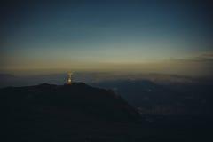 Cruz del pico de Caraiman - montañas de Buegi Imagenes de archivo