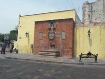 Cruz della La di Fuente Antigua del barrio de Fotografia Stock
