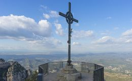 Cruz do Jesus Cristo Páscoa, conceito da ressurreição Ferro cristão foto de stock