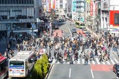 Cruz dos pedestres no Tóquio de Shibuya Imagem de Stock