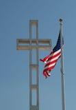 Cruz e bandeira Fotografia de Stock