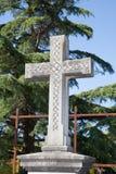 Cruz em um cemitério velho foto de stock royalty free