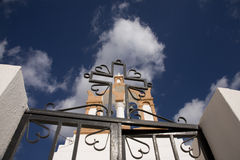 Cruz en el santorini cruzado isl Fotografía de archivo libre de regalías