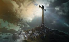 Cruz en la colina Imagen de archivo libre de regalías